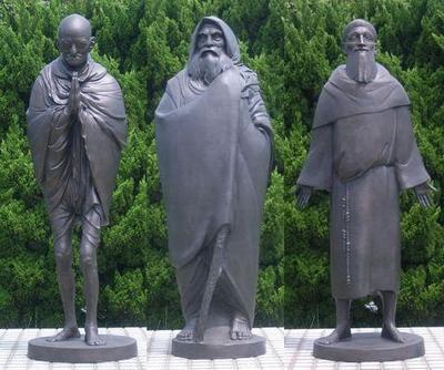 Az ellopott szobrok pótlása