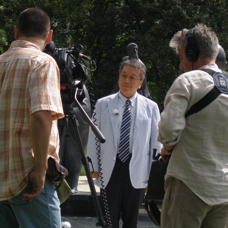Tanaka Daisuke polgármester interjút ad